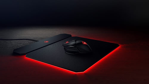 OMEN by HP OUTPOST charging pad with lights on