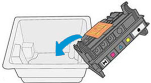 Einlegen des alten Druckkopfs in die Verpackung