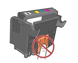 Ikke berør elektriske kontakter eller blekkdysene på skrivehodet