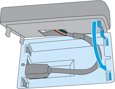 Zamocuj zatrzaski urządzenia HP Jetdirect do gniazd w kieszeni HIP2