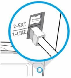 Puhelinjohdon liittäminen tulostimen takana olevaan 1-LINE-liitäntään.