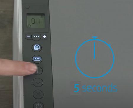 Beispiel für das Drücken der Info-Taste für fünf Sekunden